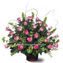Grand Tribute Rose Arrangement