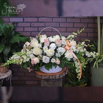 sympathy funeral tribute flower spray green hills florist