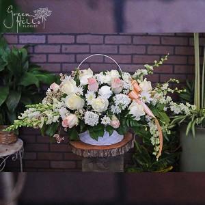 sympathy funeral tribute flower spray green hills florist